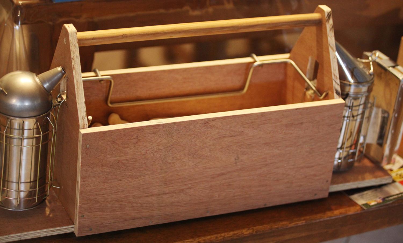 La caisse à outils au rucher